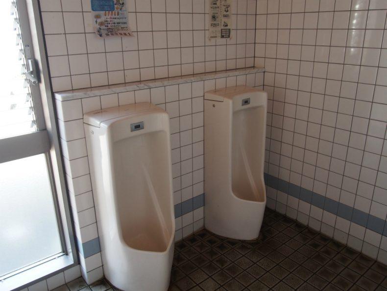 SanPin中津 男子トイレ