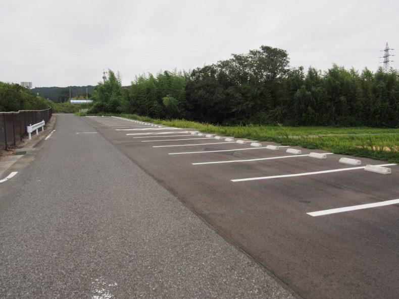木更津 うまくたの里第二駐車場道路側