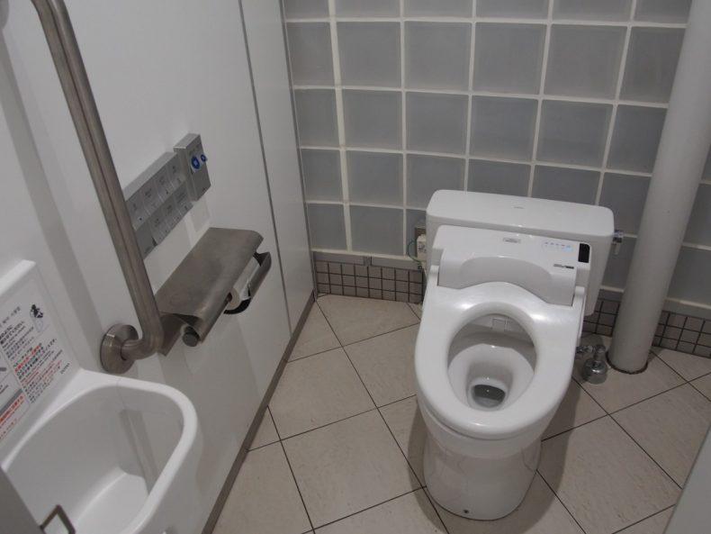 木更津 うまくたの里ウォシュレット付きトイレ
